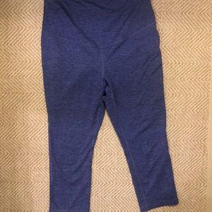 Old Navy Active purple maternity leggings XS